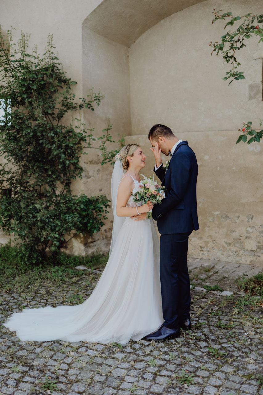Bräutigam weint vor Freude