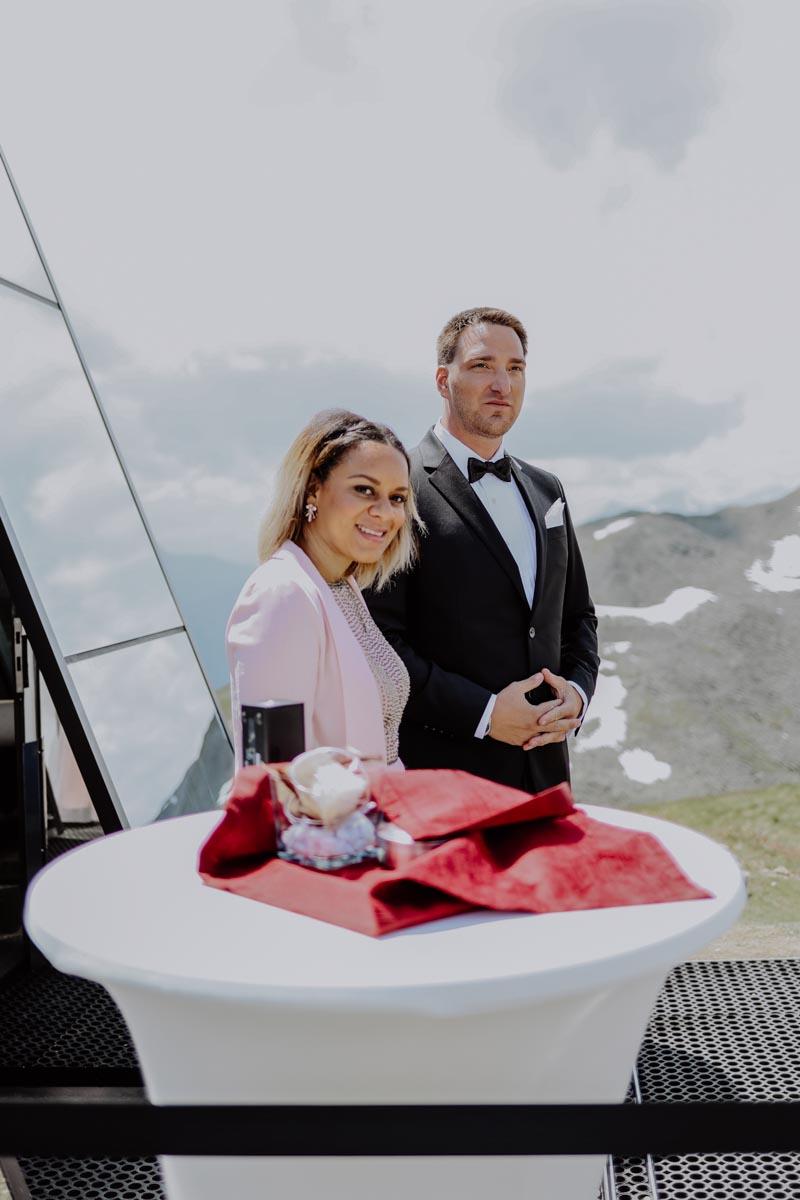 Bräutigam erwartet Braut