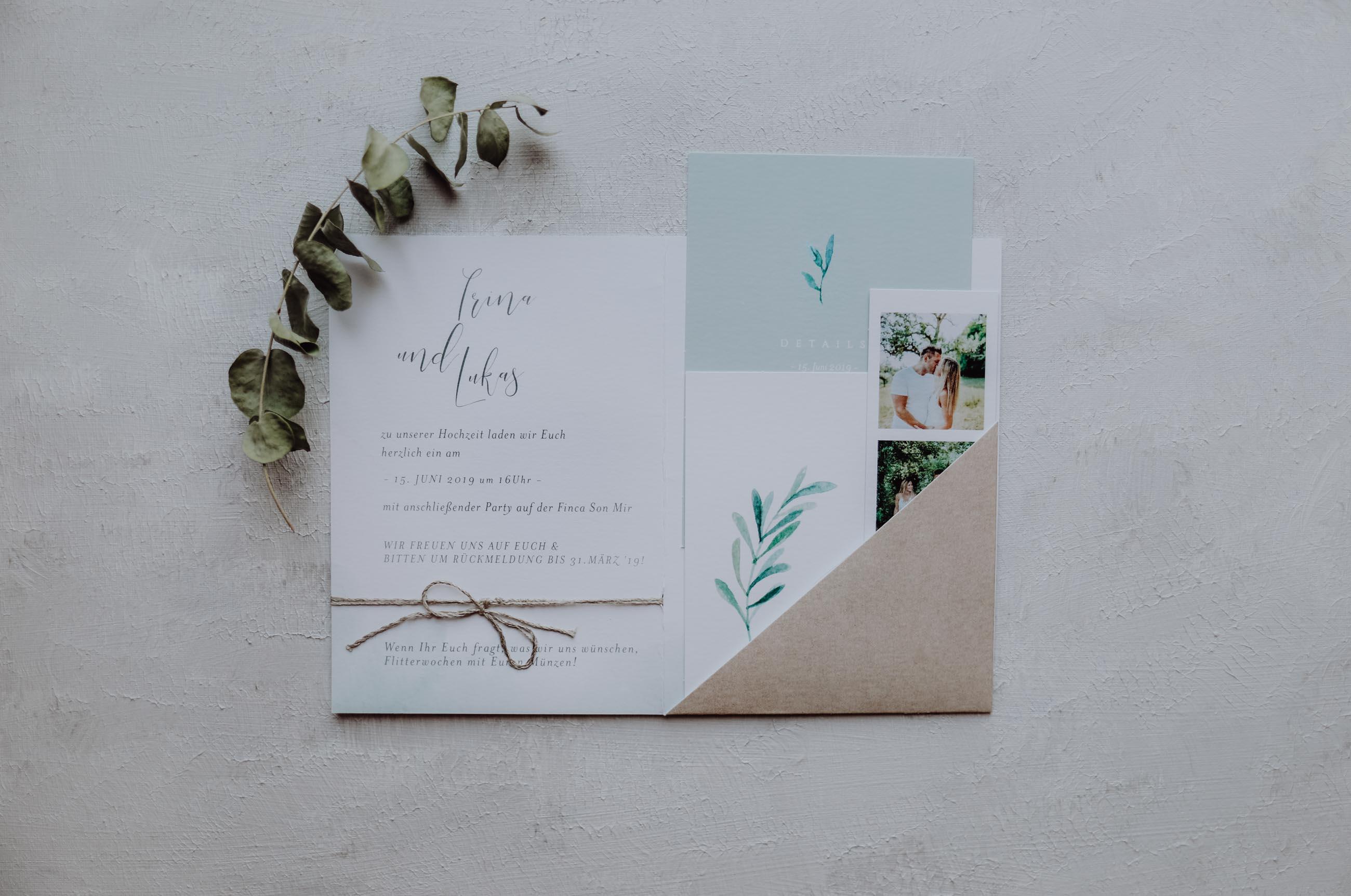 Einladungskarte mit Eukalyptus