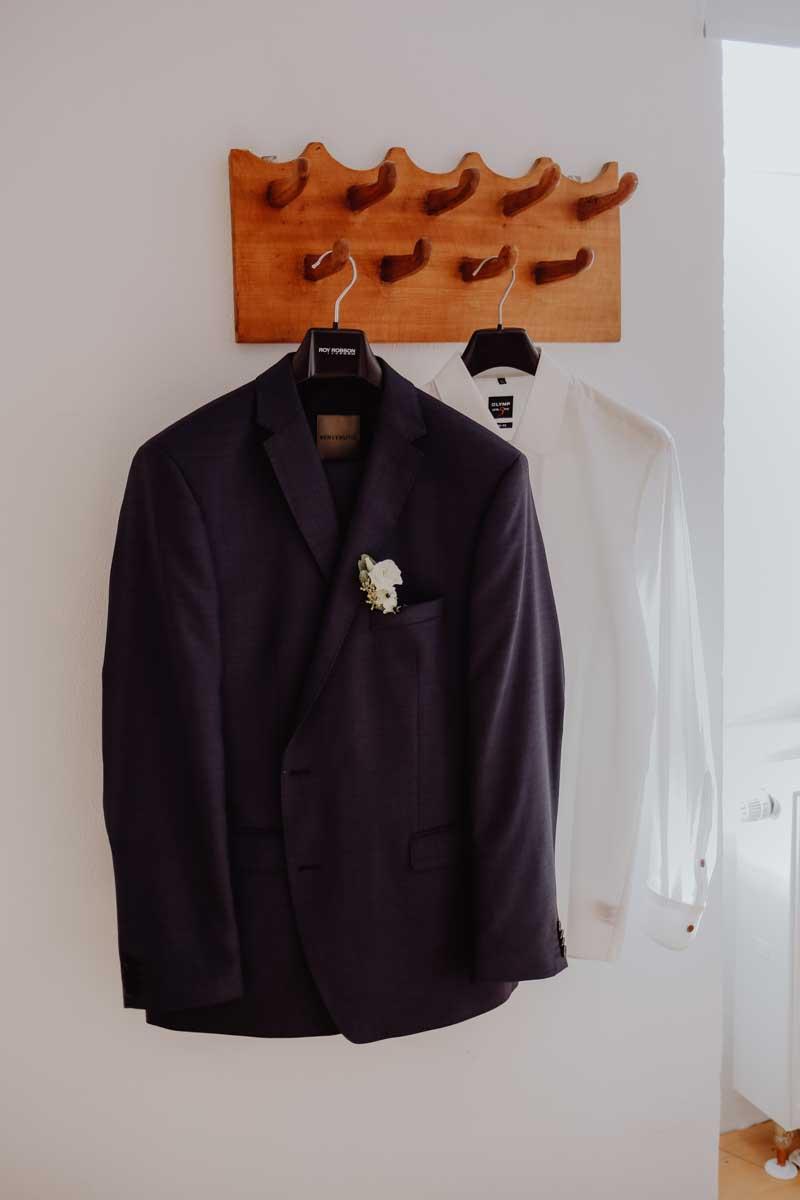 Anzug und Hemd