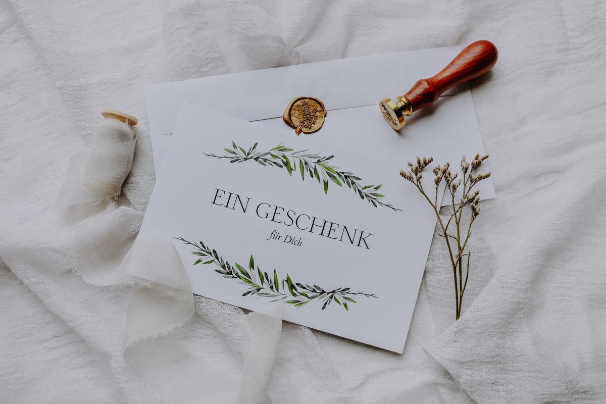 Gutschein und Siegel auf Decke
